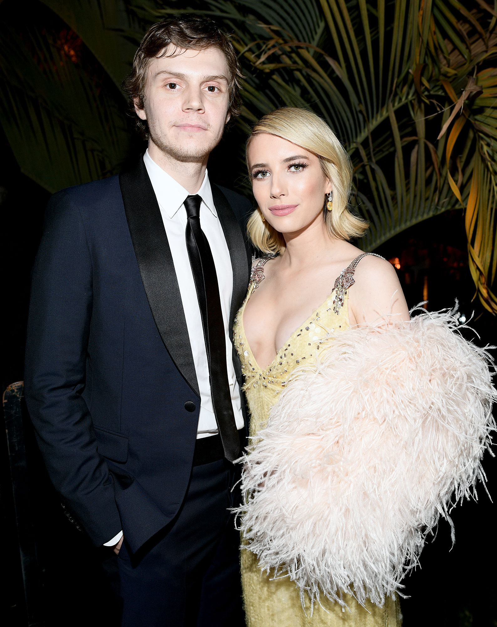 Emma Roberts Garrett Hedlund Hold Hands Evan Peters Split