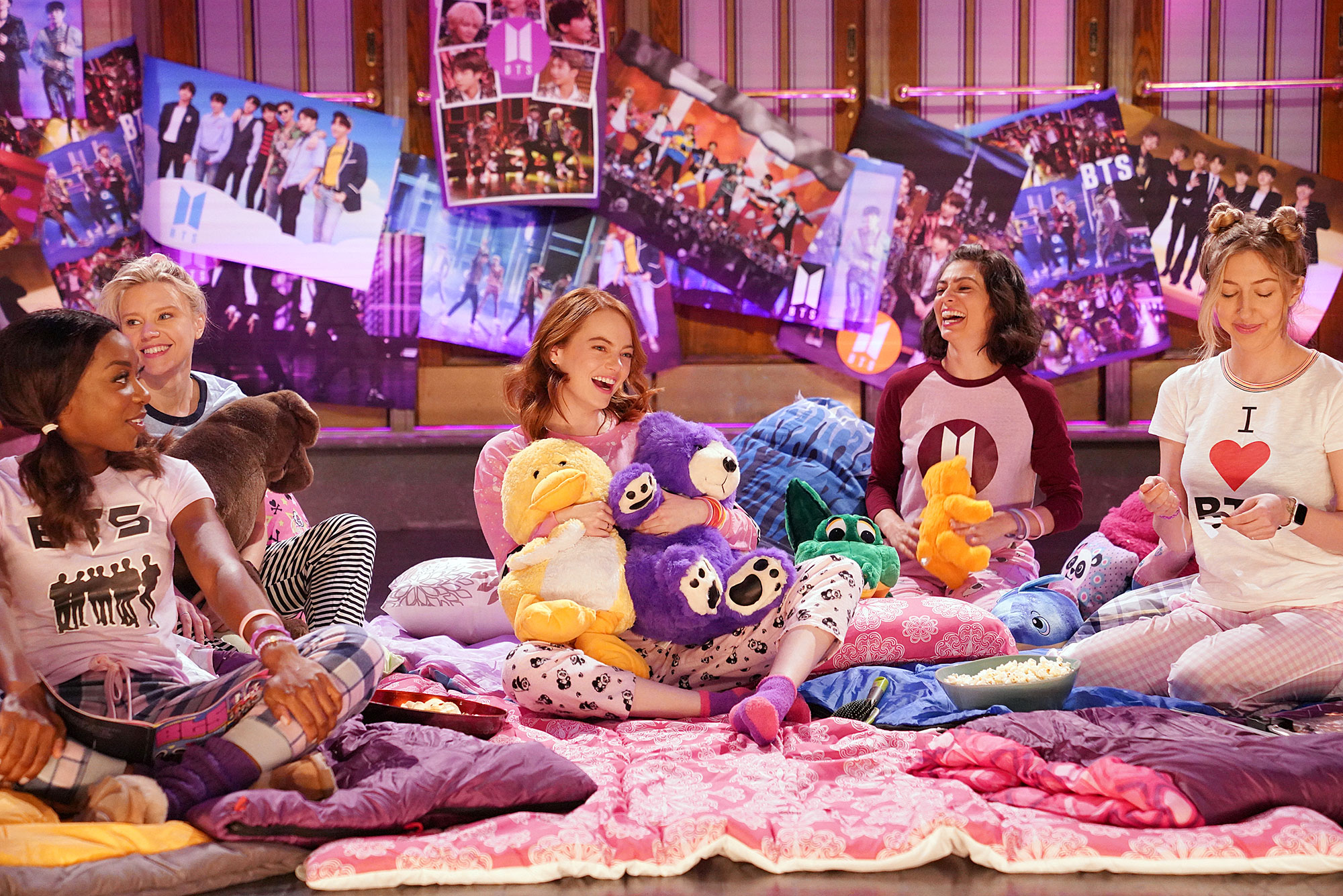 Emma Stone SNL Recap - Ego Nwodim, Kate McKinnon, host Emma Stone, Melissa Villaseñor, and Heidi Gardner during Promos in Studio 8H on Tuesday, April 9, 2019.