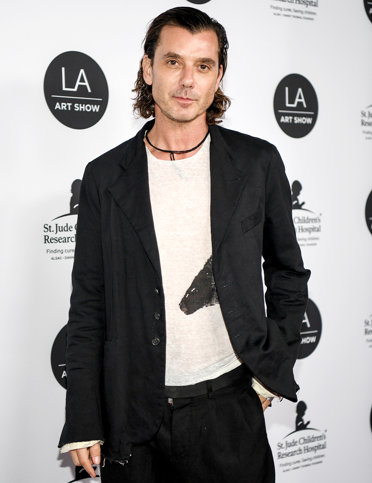 Gavin-Rossdale-LA-Art-Show - Gavin Rossdale arrives at the LA Art Show 2019 Opening Night Gala at the Los Angeles Convention Center on January 23, 2019 in Los Angeles, California.