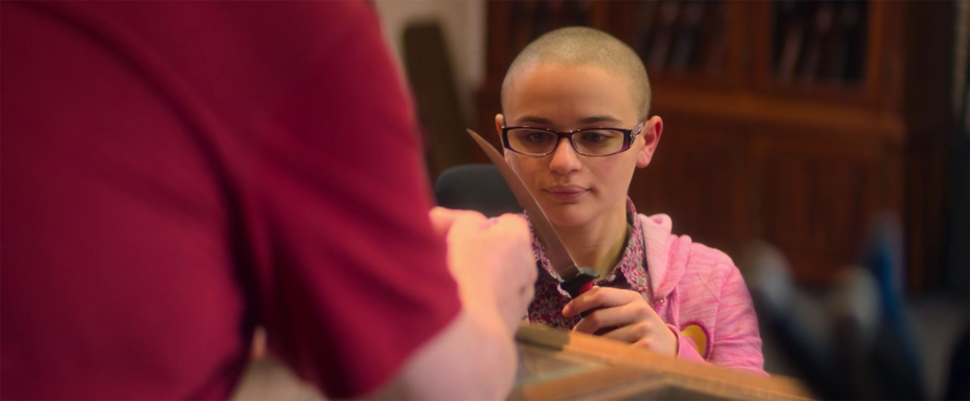 Gypsy Buys Knife in The Act - Joey King as Gypsy buys a knife in 'The Act.