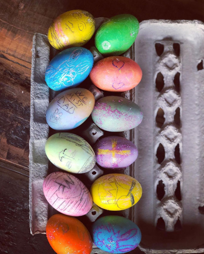 Hilarie Burton How the Celebs are Celebrating Easter - The White Collar alum showed off her family's creativity, which they channeled to make awesome decorated eggs.