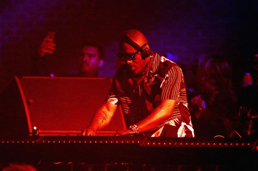 Idris Elba DJ Coachella