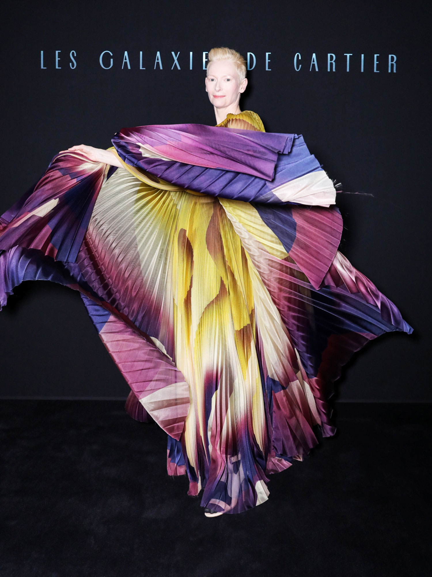 Iris van Herpen Tilda Swinton - In a gradient-dyed organza cape look on Jan. 23.