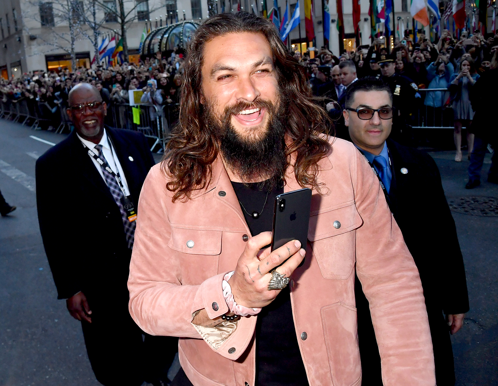 Jason-Momoa--'We-Almost-Lost'-Costar-Emilia-Clarke-to-Brain-Aneurysms-2
