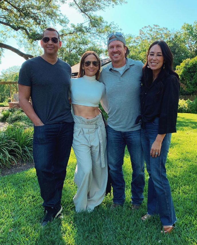 Jennifer Lopez and Alex Rodriguez Meet Up With Chip and Joanna Gaines in Texas - Alex Rodriguez and Jennifer Lopez with Chip and Joanna Gaines in Texas