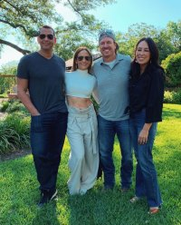 Jennifer Lopez and Alex Rodriguez Meet Up With Chip and Joanna Gaines in Texas