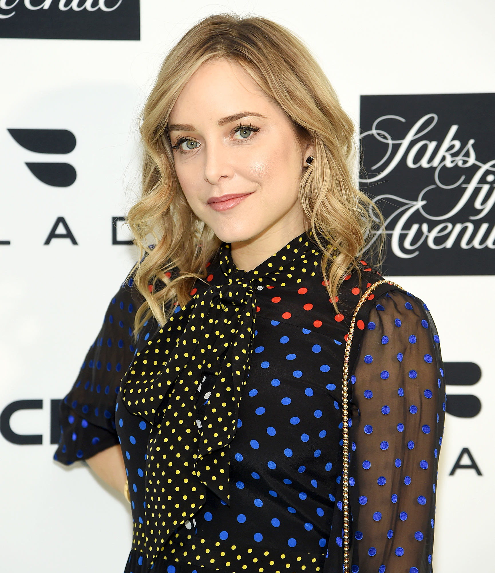 Jenny-Mollen-son-head-fracture - Showing their support. Actress Jenny Mollen received an influx of well-wishes from celebrities including Rachel Bilson , Krysten Ritter , Erika Christensen and more after revealing that she accidentally dropped her 5-year-old son, Sid , on his head.