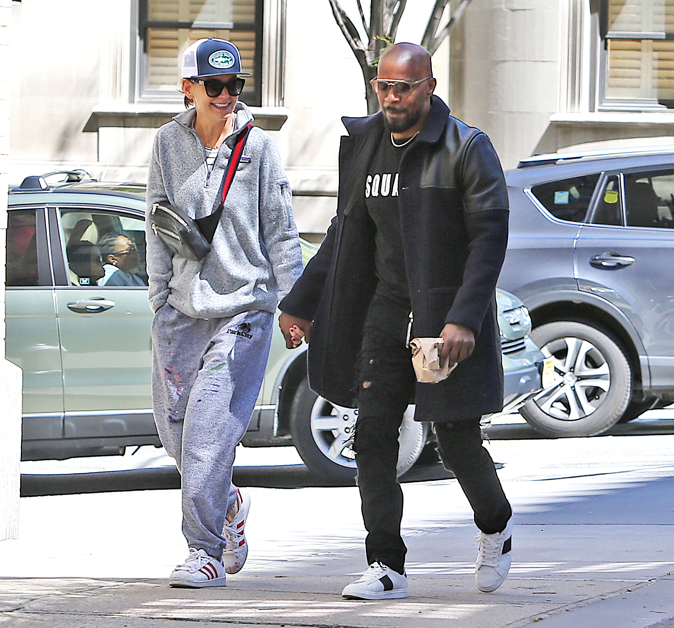 Katie Holmes and Jamie Foxx Take a Romantic Stroll in NYC: Pic!