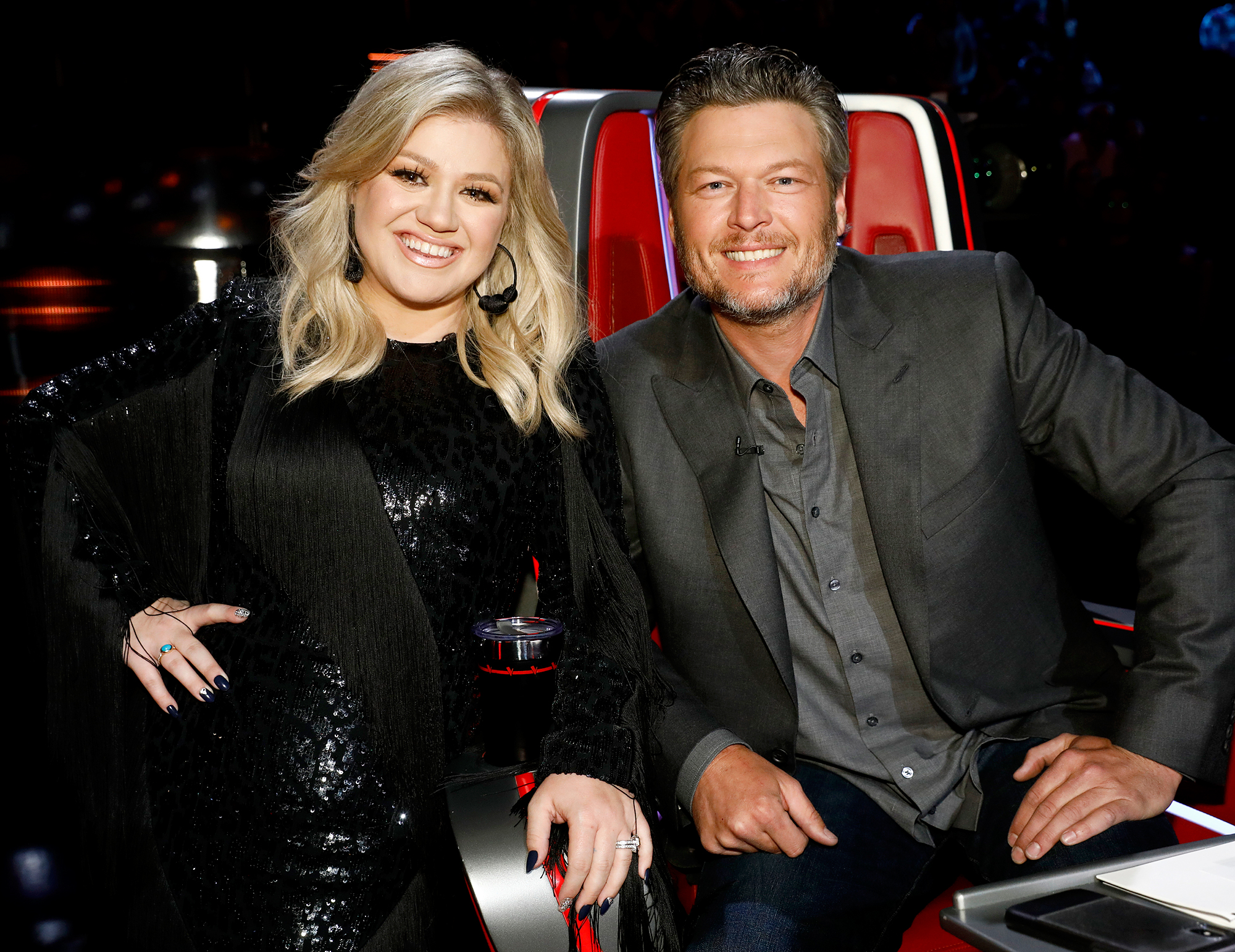 Kelly Clarkson Trolls Blake Shelton - Kelly Clarkson and Blake Shelton on The Voice