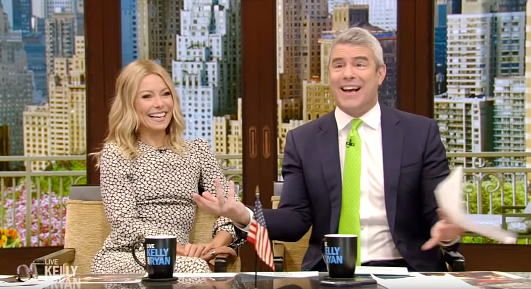 Kelly-Ripa-Andy-Cohen-4th-Child