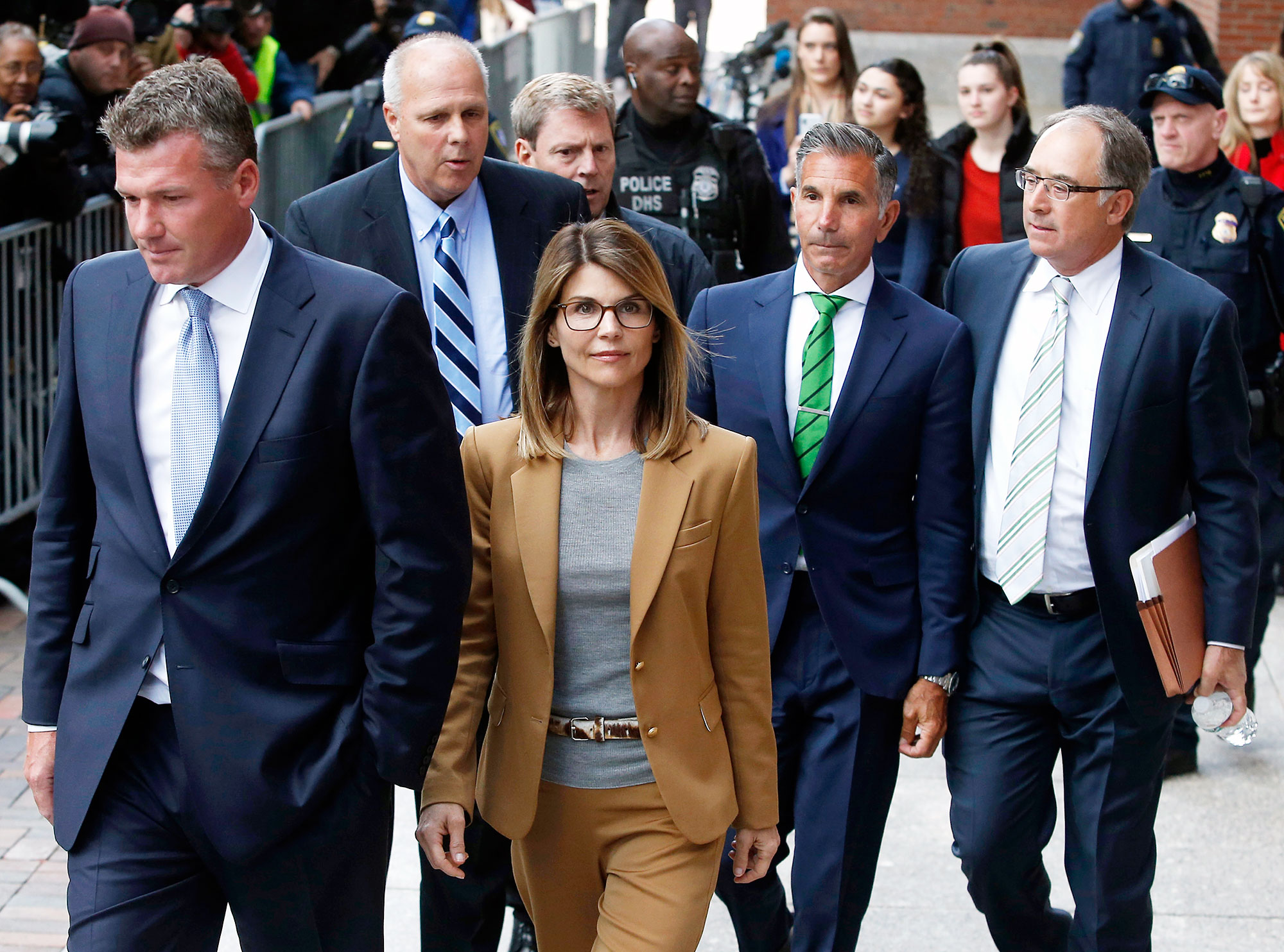 Lori Loughlin Denial Serving Time College Scandal