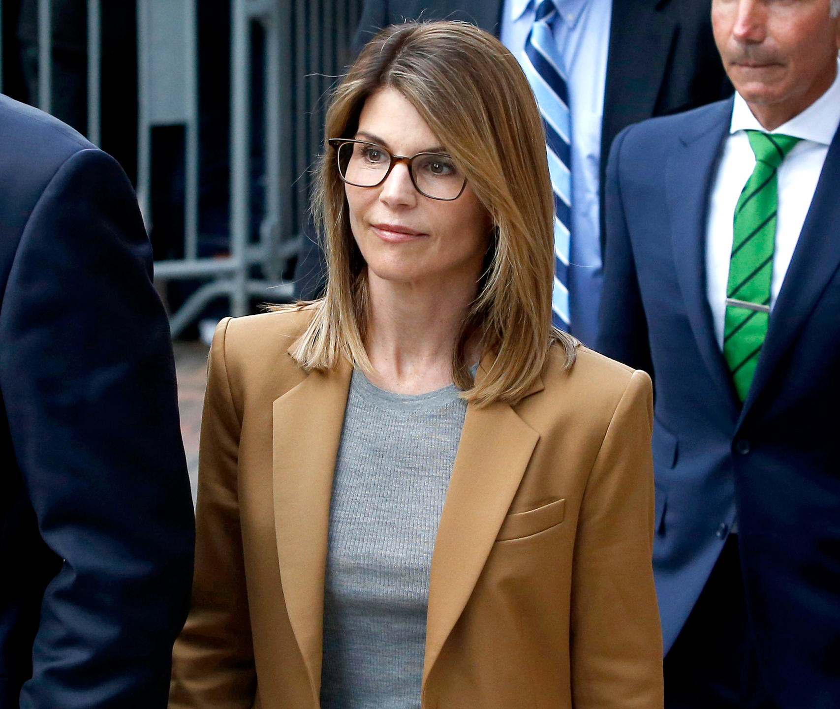 Lori-Loughlin-Faces-2-Year-Minimum-Prison-Sentence-in-College-Scandal