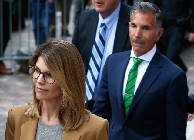 Lori Loughlin Thinks She 'Did Nothing Wrong' in College Admissions Case: Her Husband Said 'It Wasn't Illegal'