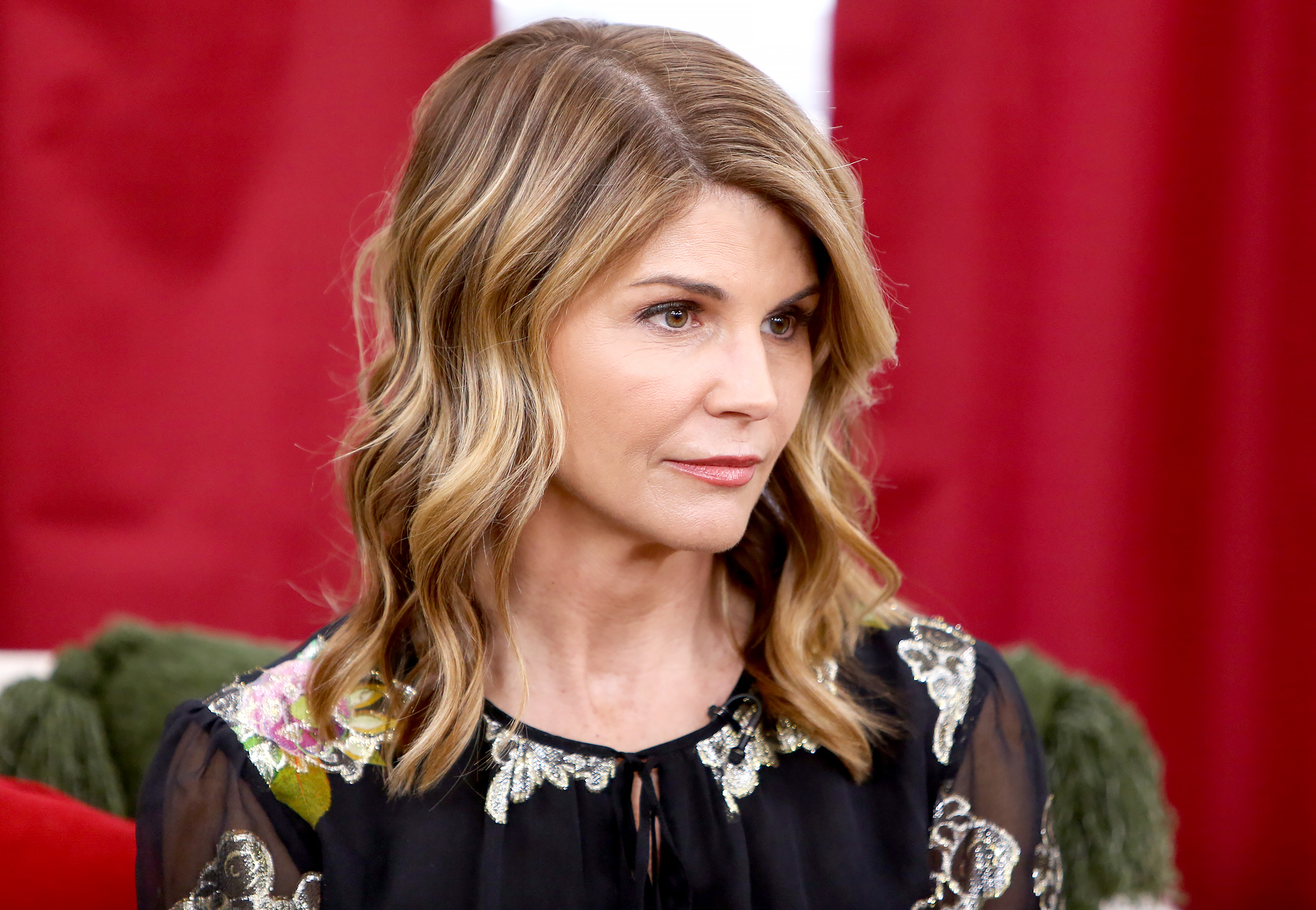 Lori-Loughlin-Rejected-a-Plea-Deal-Before-Being-Faced-With-New-Charge