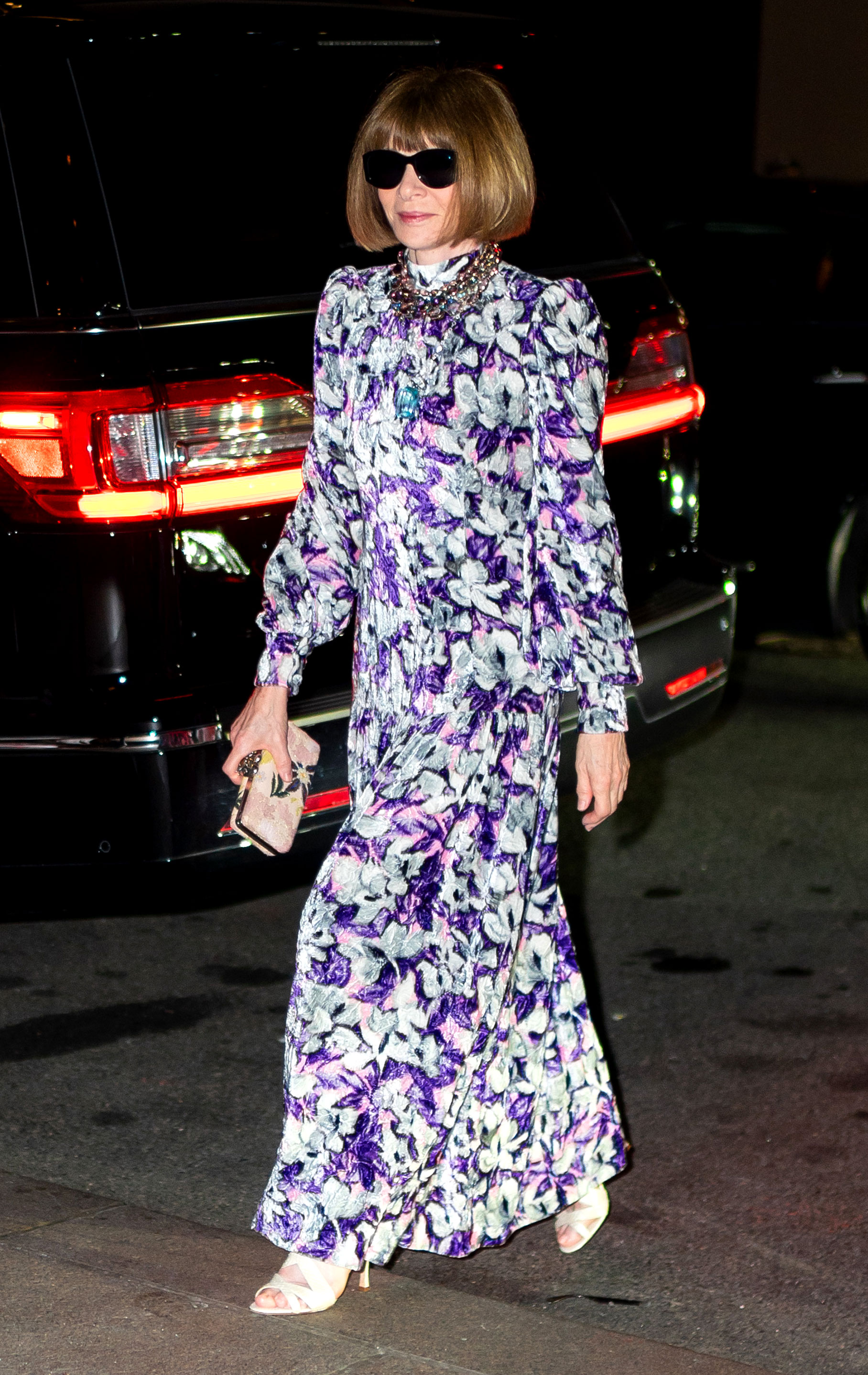 Marc-Jacob-and-Char-DeFrancesco-wedding-reception Anna Wintour - Anna Wintour looked beautiful in a long-sleeve, floor-length floral gown.
