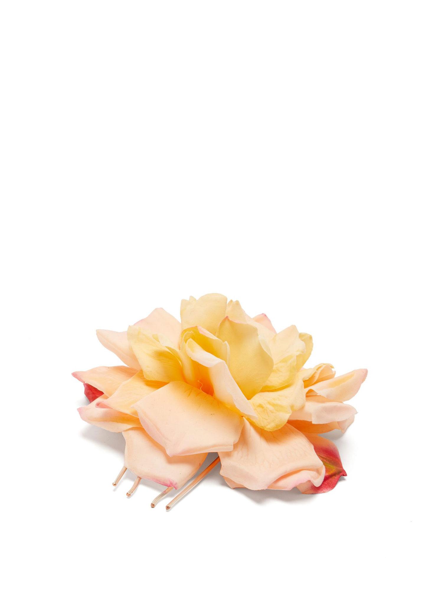 7f2fba52bdd27 Meghan Markle's Florist's Spring 2019 Flower Crowns, Clips: Pics