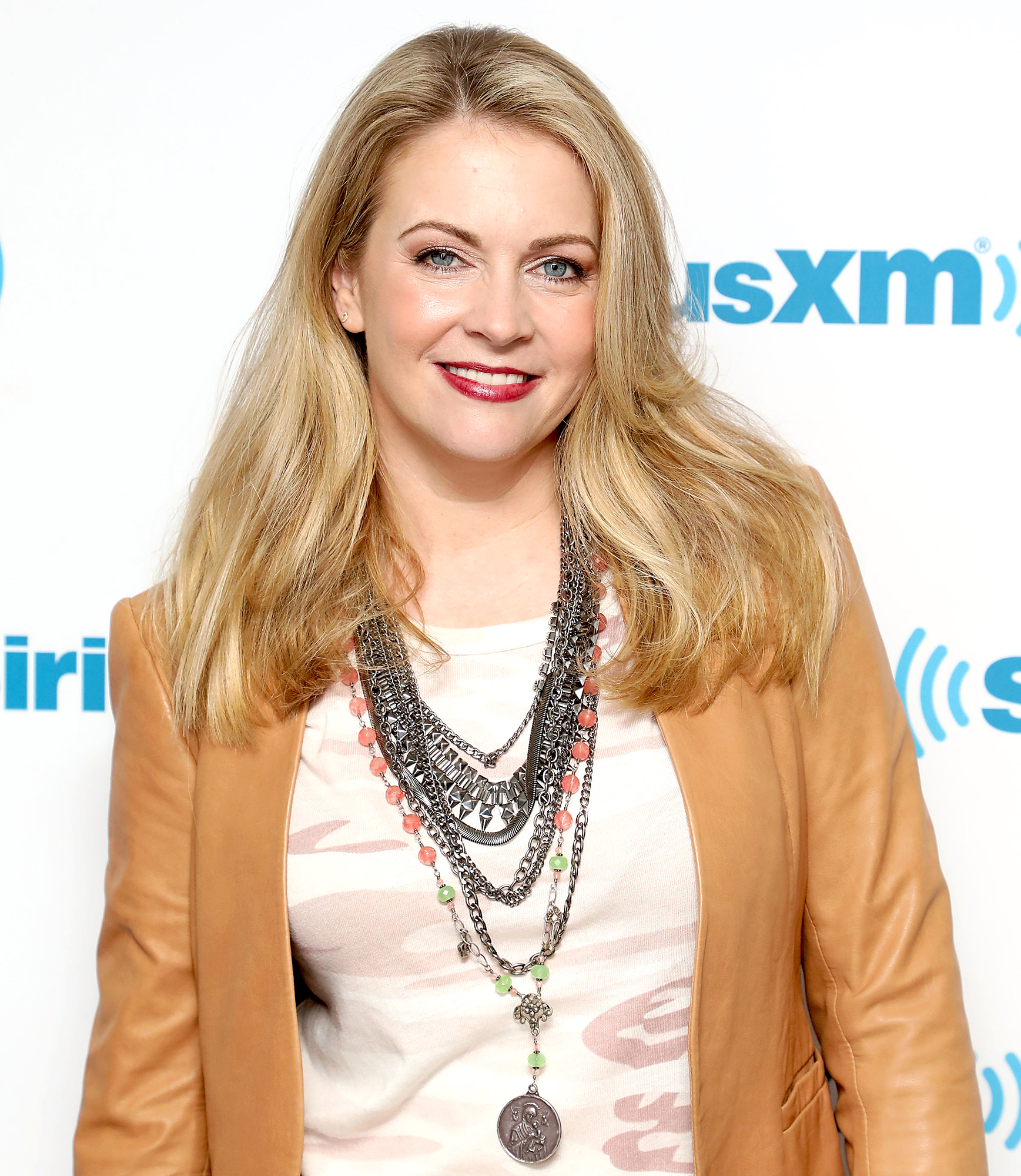 Melissa-Joan-Hart-Clarissa-Explains-It-All-Reboot-On-Hold