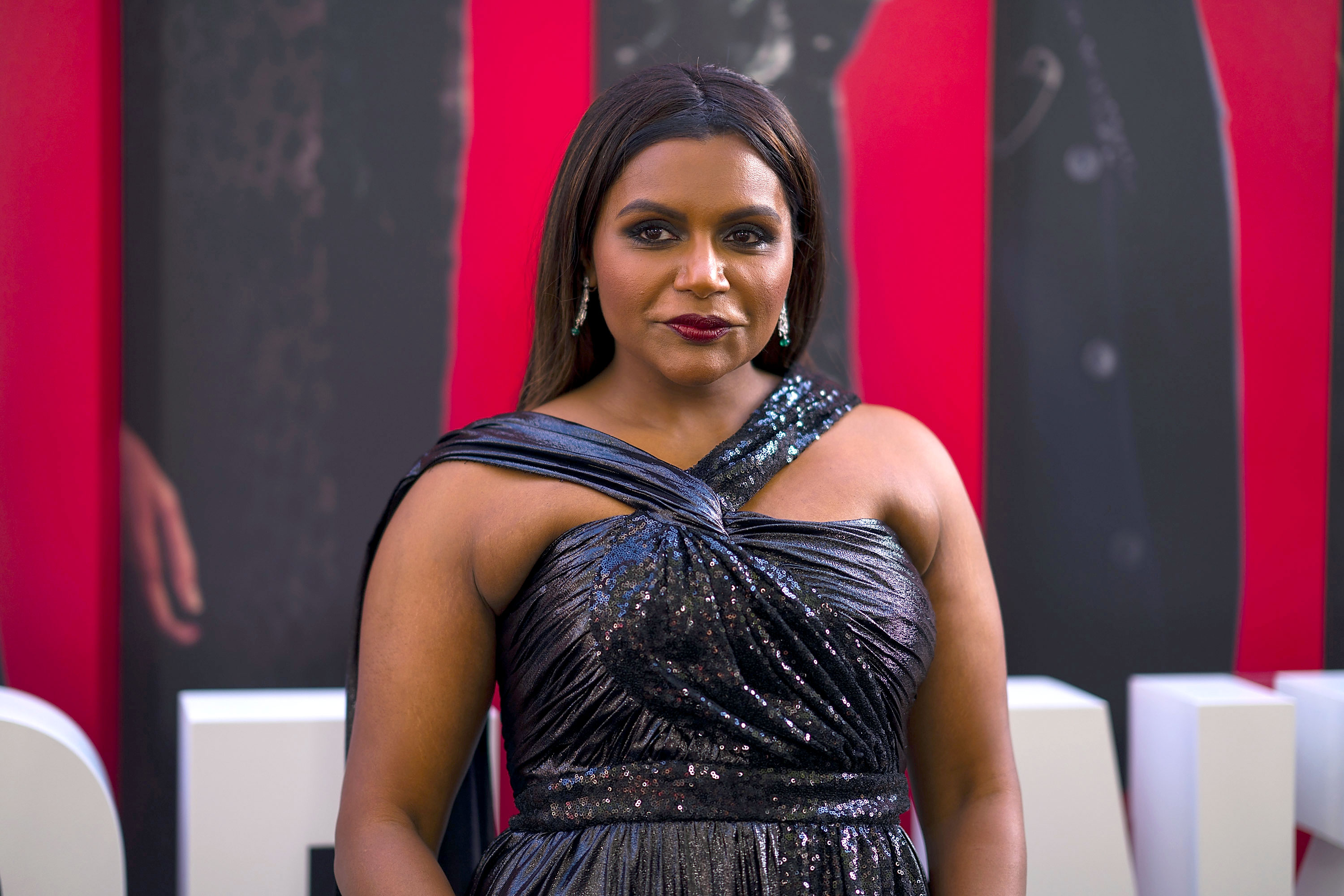 """Mindy Kaling React Sri Lanka Bombings - Mindy Kaling attends the """"Ocean's 8"""" World Premiere at Alice Tully Hall on June 5, 2018 in New York City."""