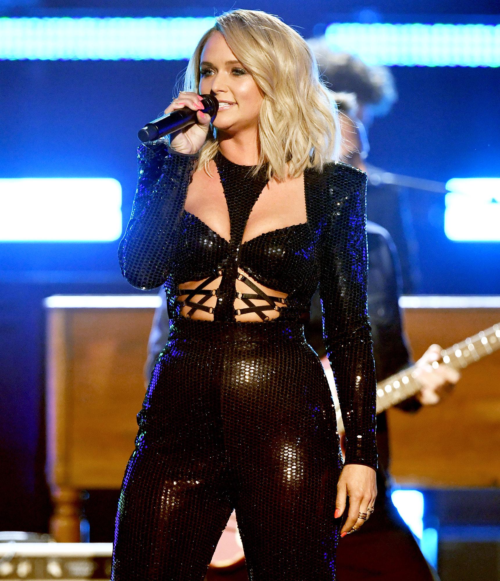 Miranda Lambert Performs ACM Awards 2019