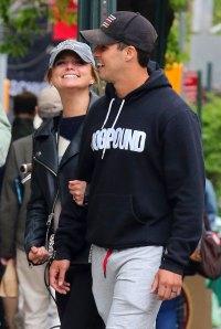 Miranda Lambert and Husband Brandon McLoughlin Take Romantic Stroll in New York City