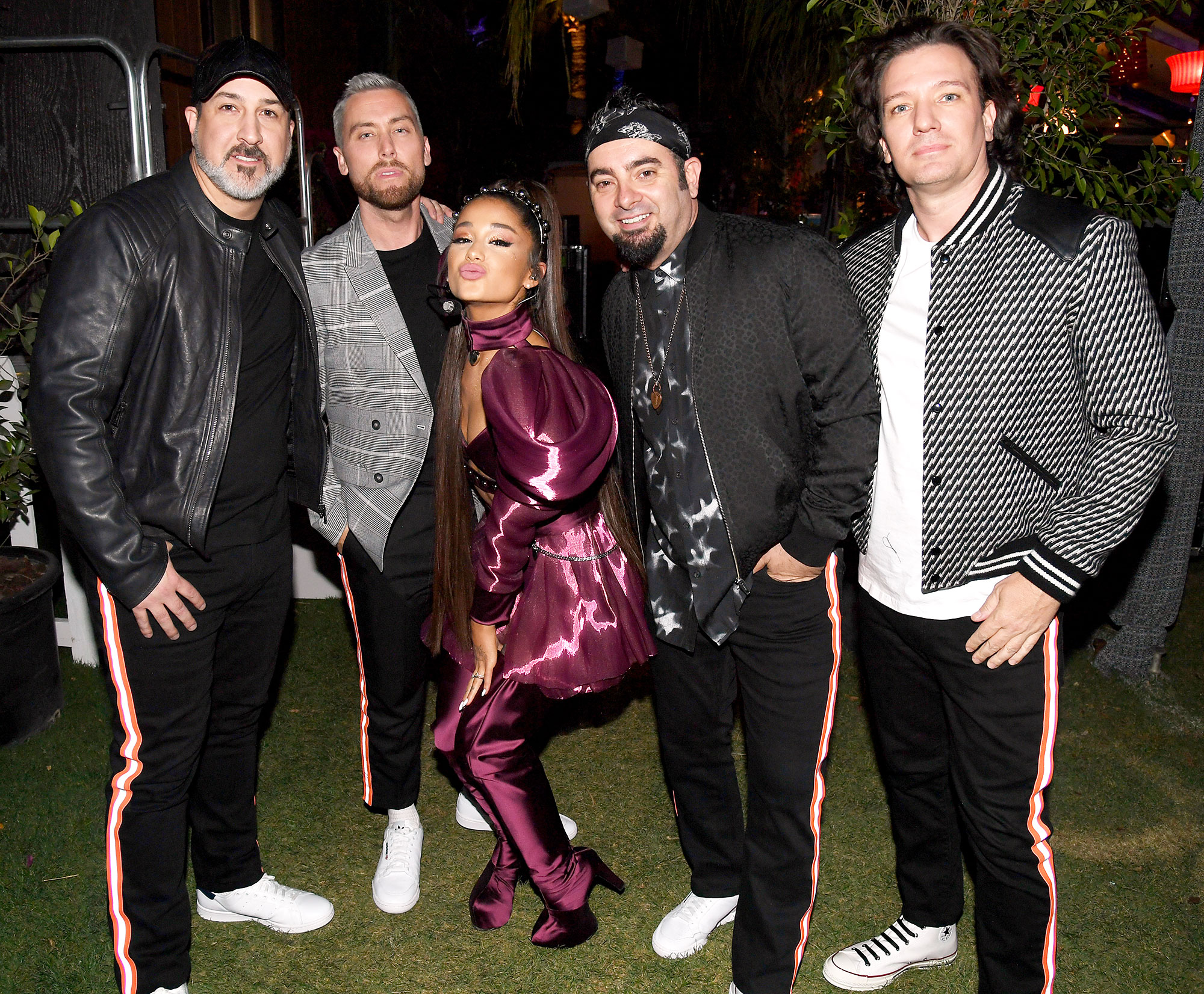 NSYNC Reunite Ariana Grande Coachella 2019 Performance - Ariana Grande (c) with members of NSYNC Joey Fatone, Lance Bass, Chris Kirkpatrick, and JC Chasez at the Coachella Valley Music And Arts Festival on April 14, 2019 in Indio, California.