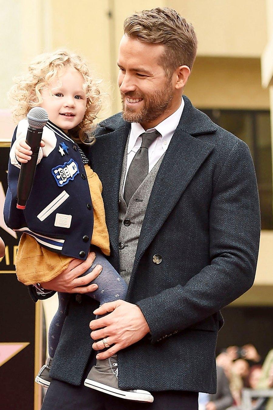 Ryan-Reynolds-Helicopter-Dad