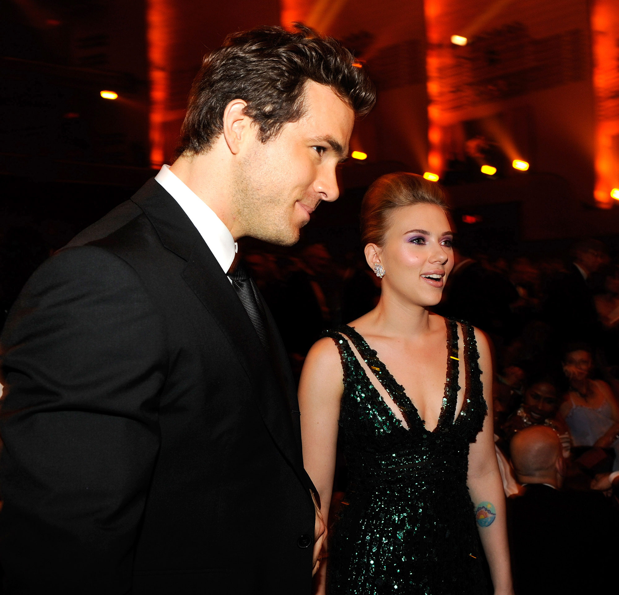 Celebrity Couples Who Got Engaged and Married in the Same Year - Engaged: May 2008 Married: September 27, 2008 Status: Divorced in July 2011; Reynolds is now married to Blake Lively , with whom he shares daughters James and Inez, while Johansson is dating Colin Jost and shares daughter Rose with second ex-husband Romain Dauriac