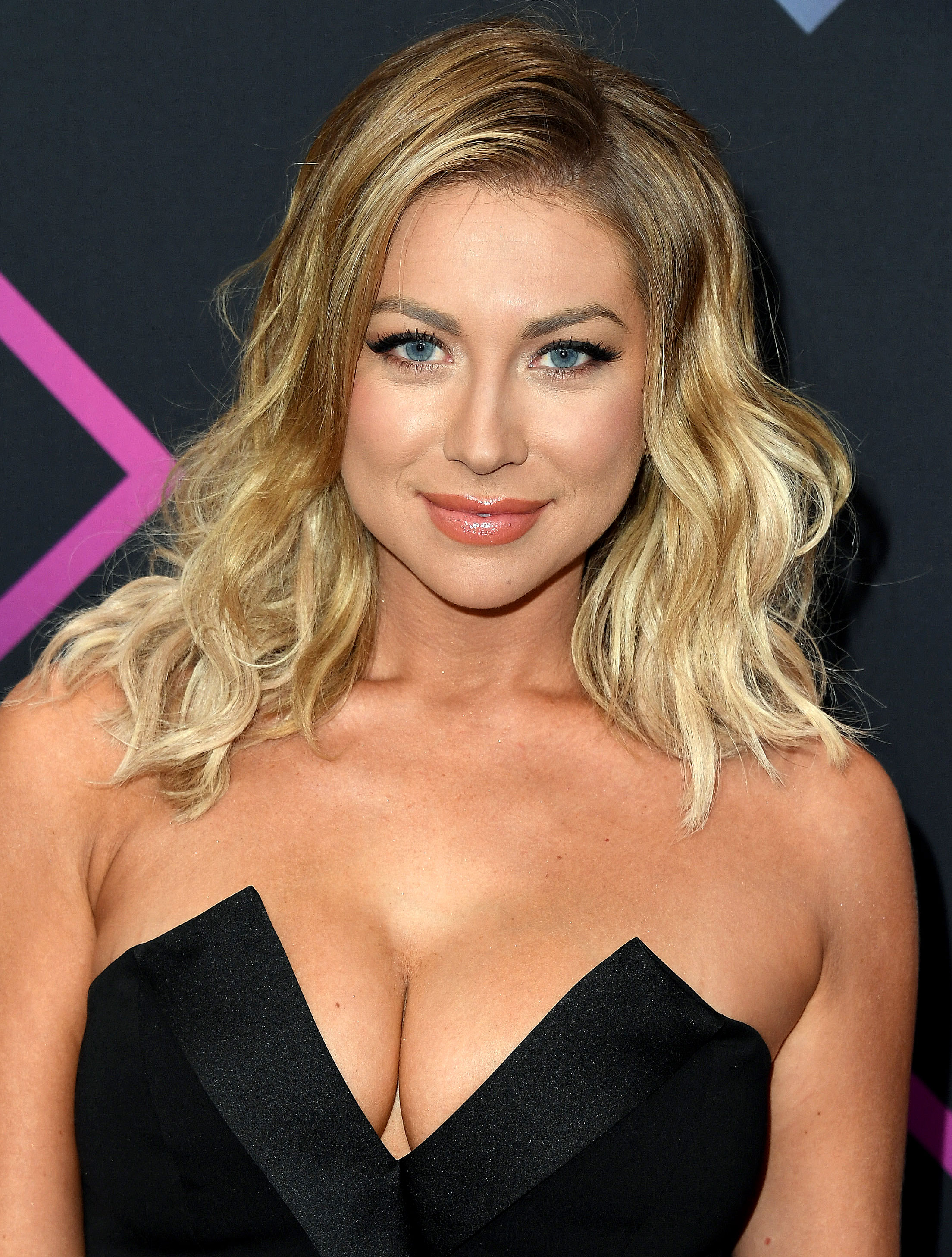 Stassi Schroeder Stars' Hangover Cures - Stassi Schroeder attends the People's Choice Awards 2018 at Barker Hangar on November 11, 2018 in Santa Monica, California.
