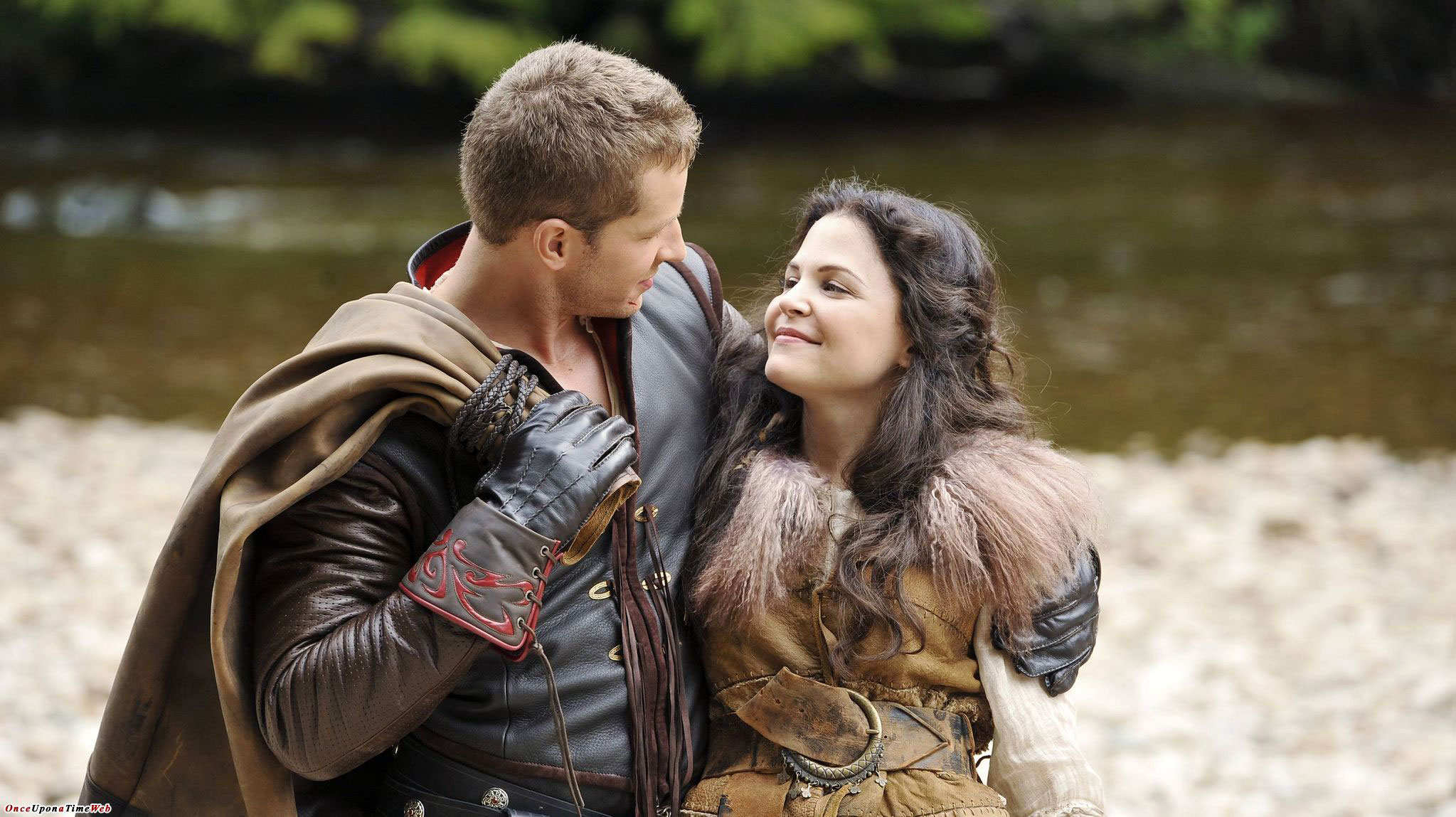 TV Couples Who Dated IRL Snow White and Prince Charming Once Upon a Time - In 2011, Ginnifer Goodwin and Josh Dallas met on ABC's Once Upon a Time , in which they played Snow White and Prince Charming. While they began as friends, their relationship blossomed.