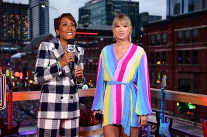 Taylor Swift and Robin Roberts NFL Draft Interview