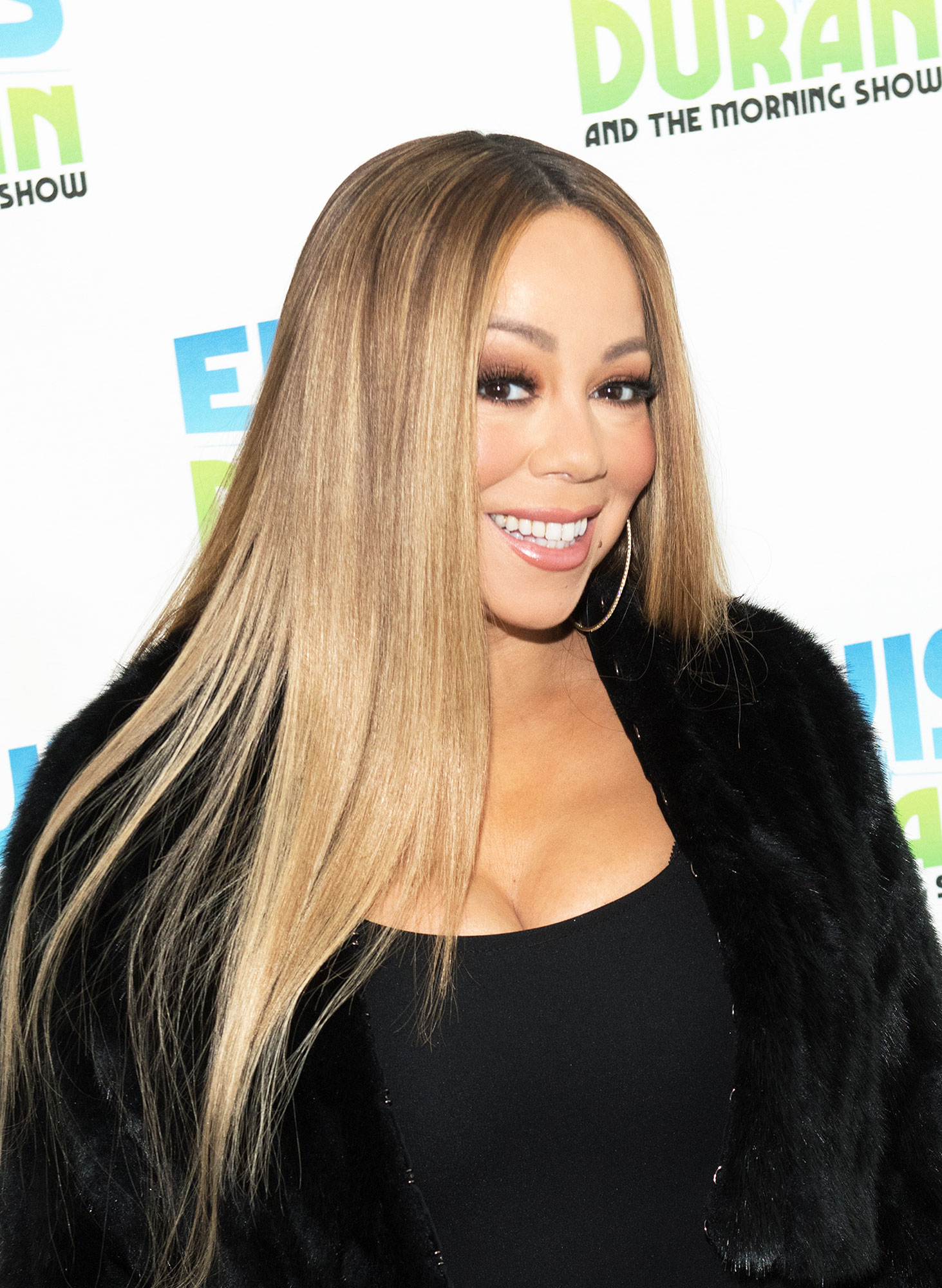 "Mariah Carey She's 'Too Old'! Feuds, Friendships and More Shocking Revelations from 'The View' Tell-All - The book also touched on a few guest appearances, including Mariah Carey , who ""never wanted to perform live."""