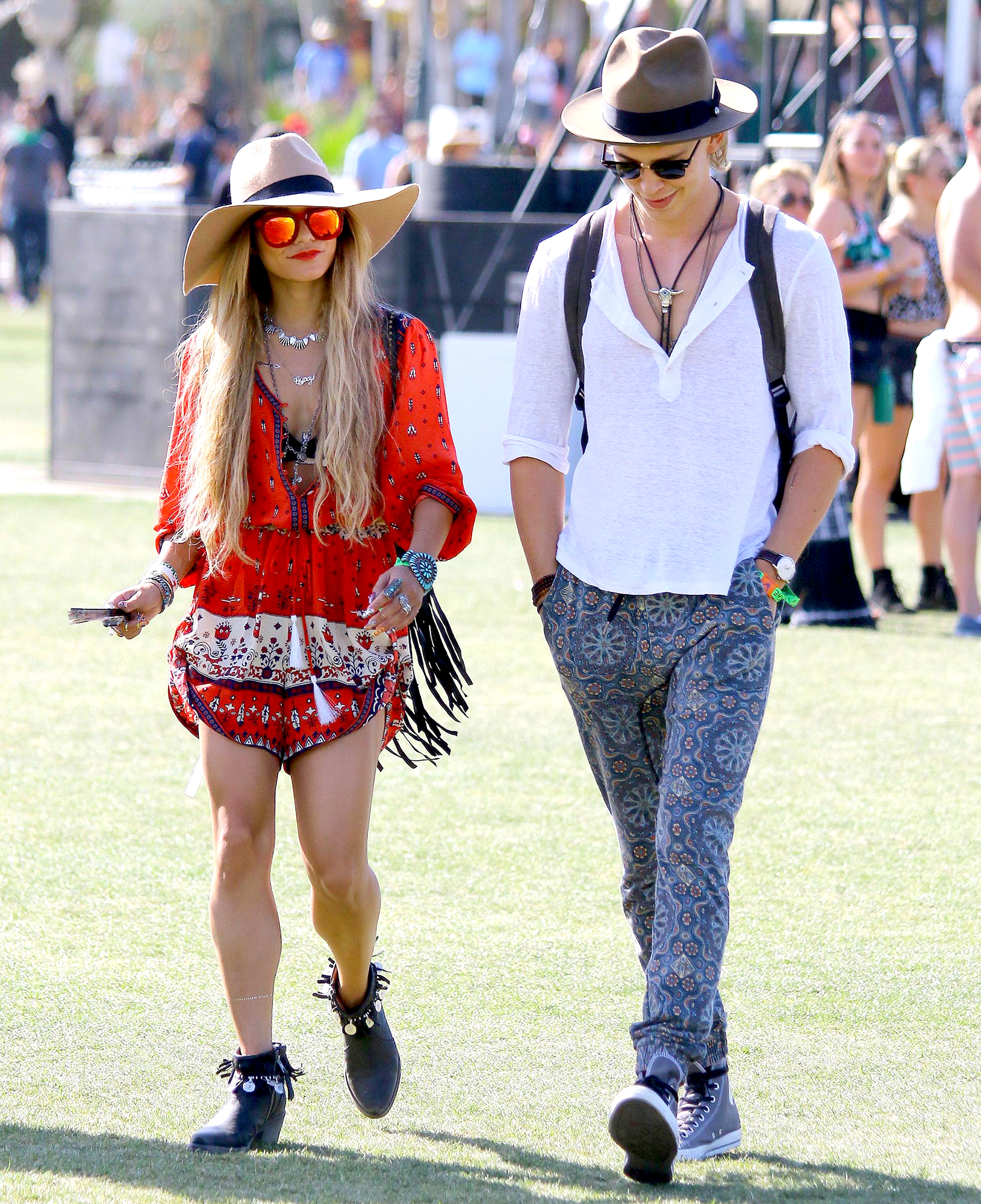 VANESSA-HUDGENS-AUSTIN-BUTLER-coachella - The actress and the Switched at Birth alum embodied Coachella's spring vibe in flowy outfits in 2014.