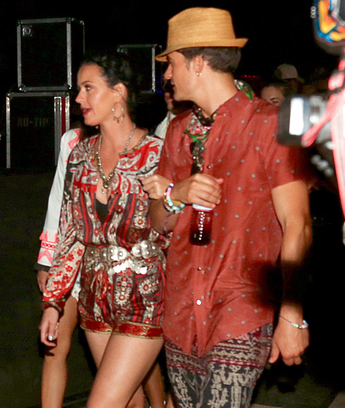 katy-perry-orlando-bloom-coachella - The American Idol judge and the Pirates of the Caribbean actor linked arms at the festival in 2016.