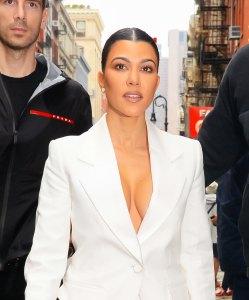 Kourtney Kardashian¹s Go-to Lip Scrub Is Already in Your Pantry