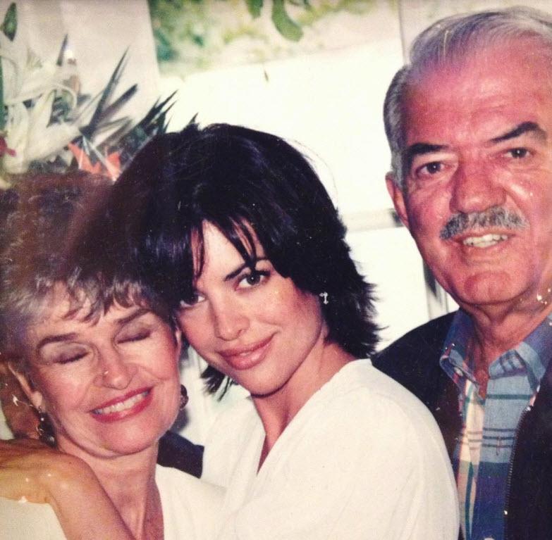 Lisa Rinn Mother Lois Attacked Serial Killer David Carpenter - Lisa Rinna, with her parents Lois Rinna and Frank Rinna.
