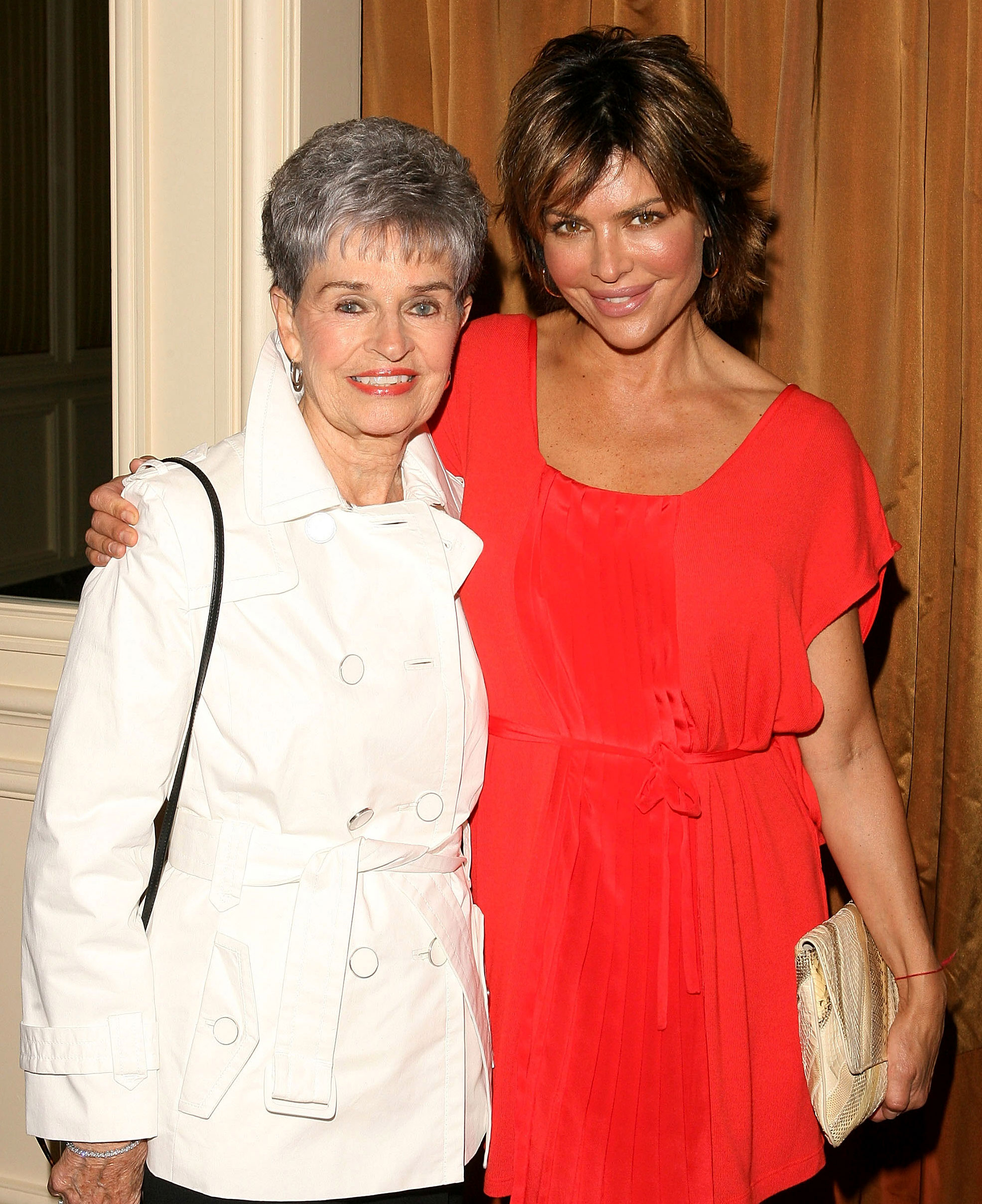 Lisa Rinn Mother Lois Attacked Serial Killer David Carpenter - BEVERLY HILLS, CA – APRIL 09: Actress Lisa Rinna (R) and her mother Lois Rinna arrive at Saks Fifth Avenue's 20th Annual Spring Luncheon at the Beverly Wilshire Hotel on April 9, 2008 in Beverly Hills, California. (Photo by Jesse Grant/WireImage)
