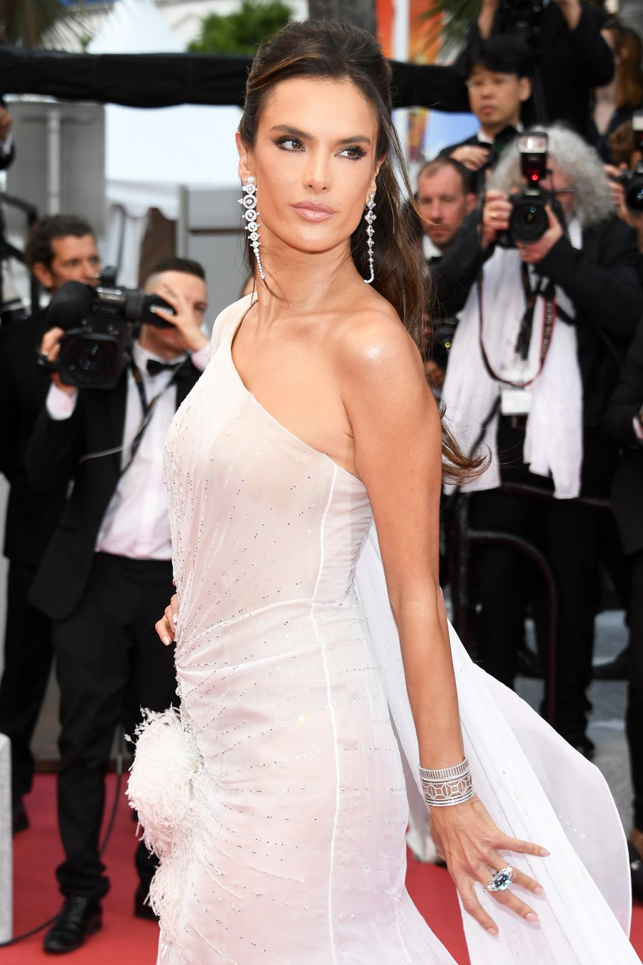 Alessandra Ambrosio Smokey Eye Cannes