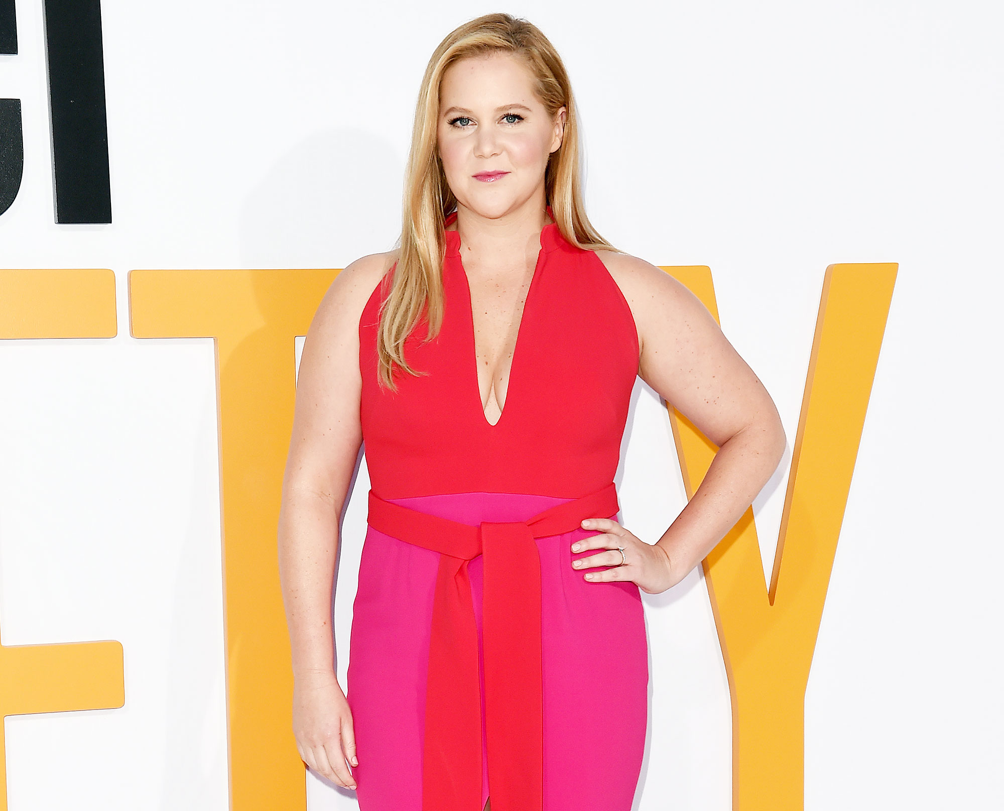6a2b7decc Amy Schumer Hits Stage 2 Weeks After Giving Birth: 'I'm Back'
