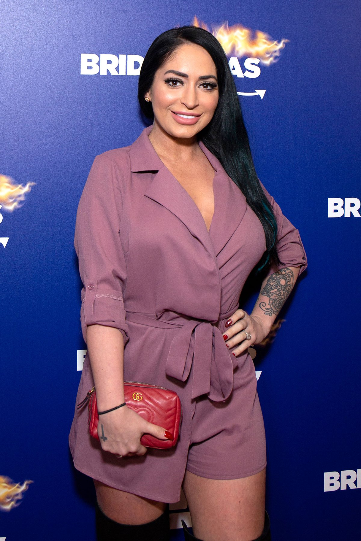 Angelina Jersey Shore Sexy jersey shore' cast sends nicole 'snooki' polizzi well-wishes