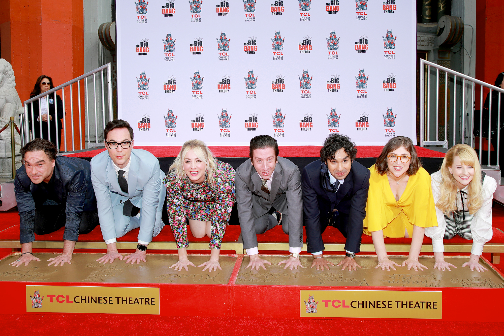 """Big-Bang-Theory-Handprint-Ceremony - """"Am I dreaming?"""" Cuoco wrote on Instagram when she shared a practice of her signature in the cement ahead of the ceremony."""