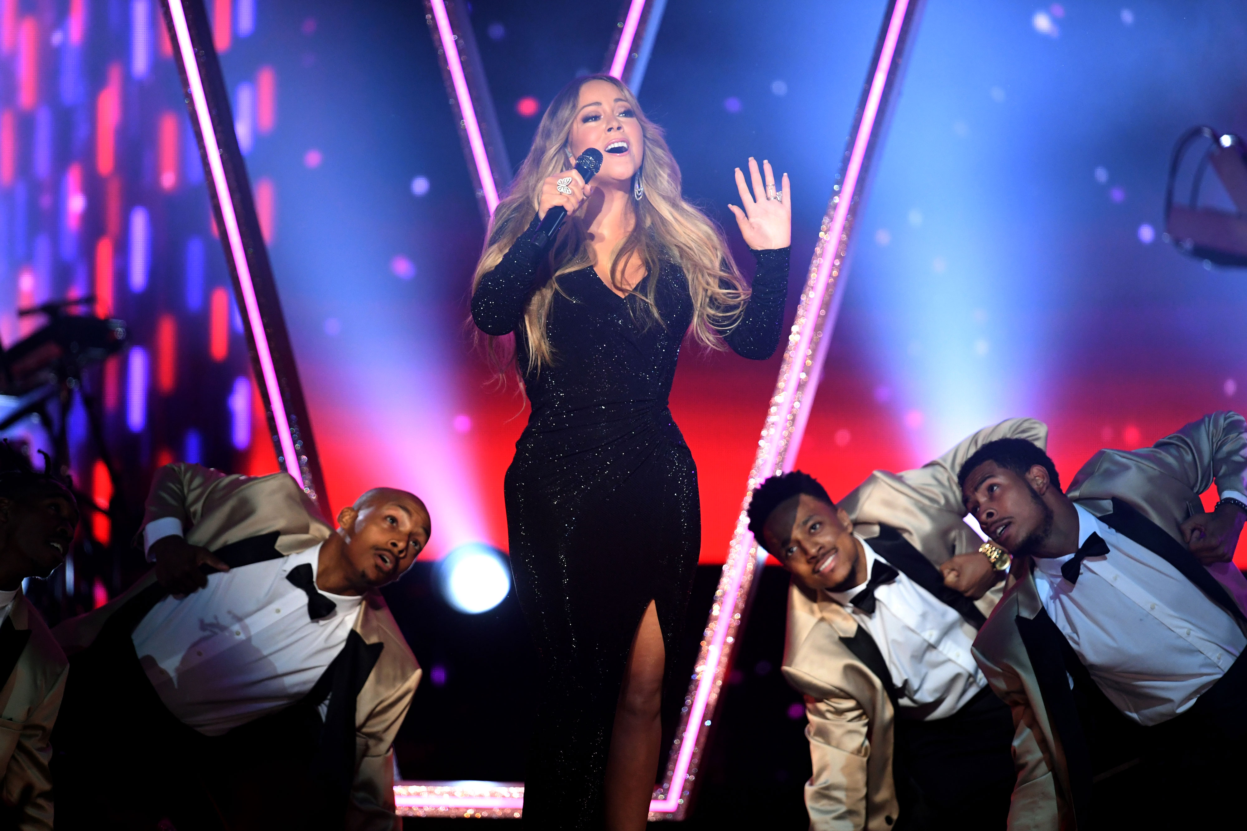 Billboard Music Awards 2019's Wildest Moments Mariah Carey - Honoree Mariah Carey performs onstage during the 2019 Billboard Music Awards at MGM Grand Garden Arena on May 01, 2019 in Las Vegas, Nevada.