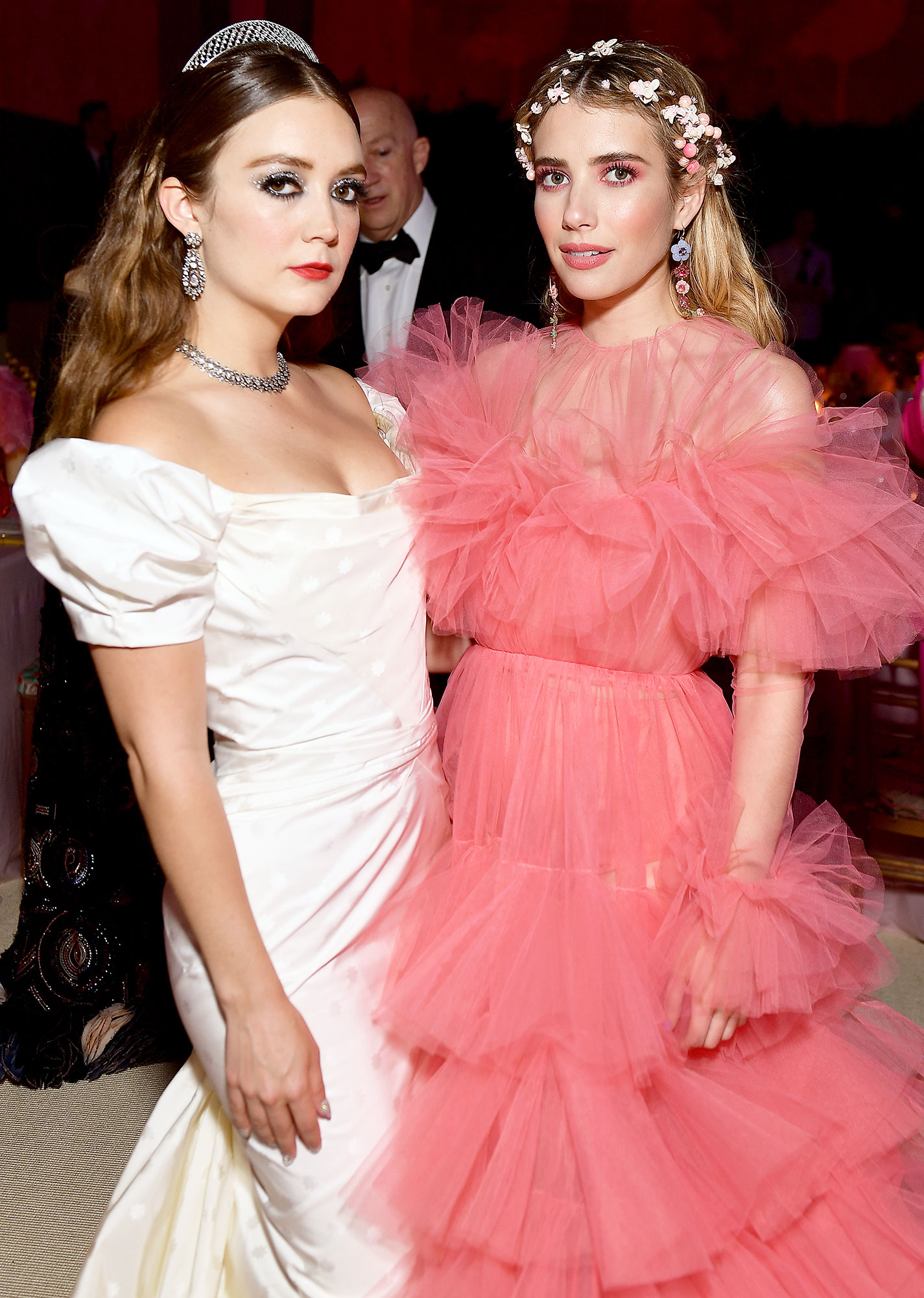Met Gala 2019 What You Didnt See Billie Lourd Emma Roberts - Former Scream Queen costars Billie Lourd and Emma Roberts reunited inside the event.