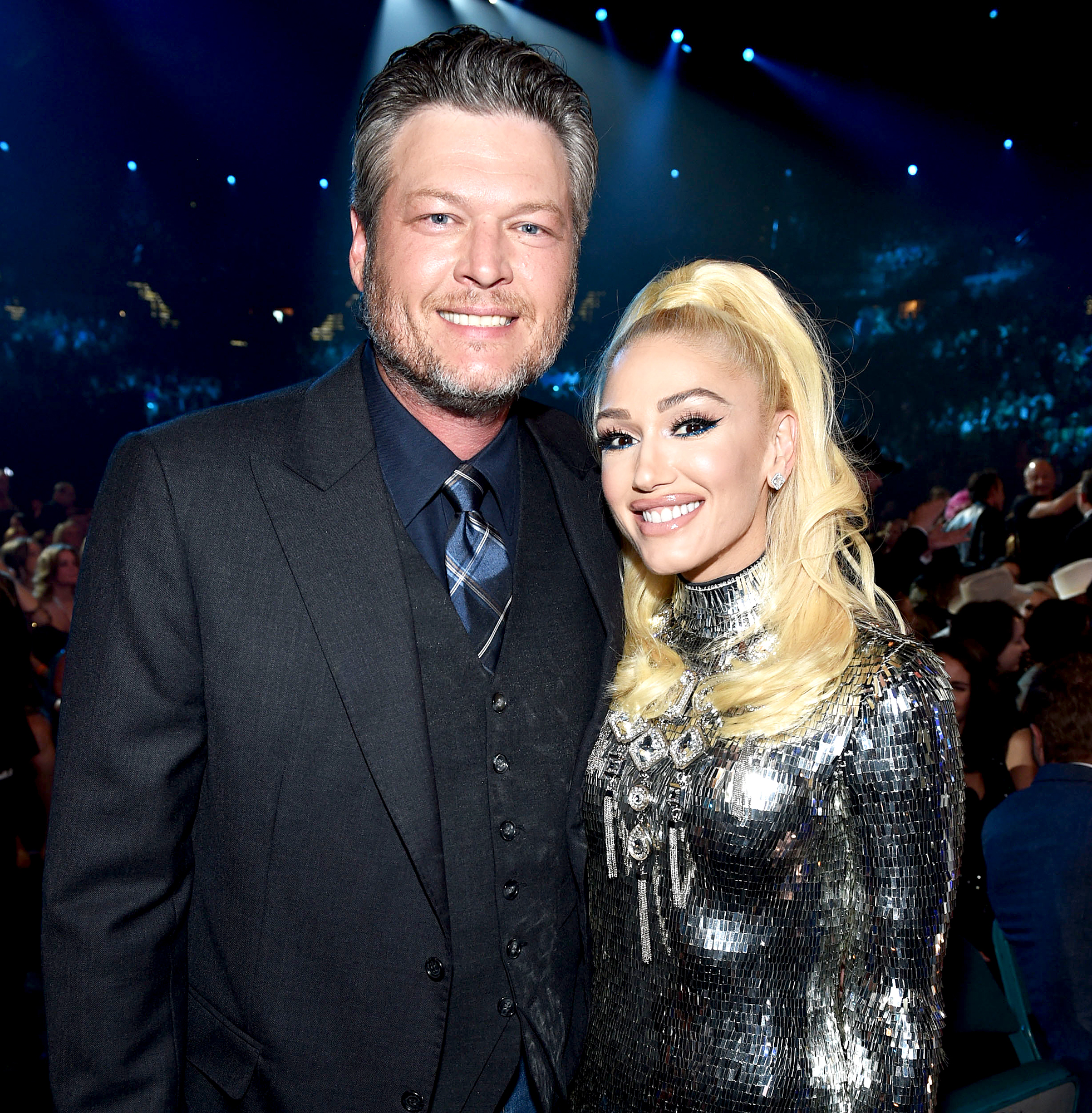 Blake-Shelton-Gwen-Stefani - Blake Shelton and Gwen Stefani pose in the audience during the 54th Academy Of Country Music Awards at MGM Grand Garden Arena on April 07, 2019 in Las Vegas, Nevada.