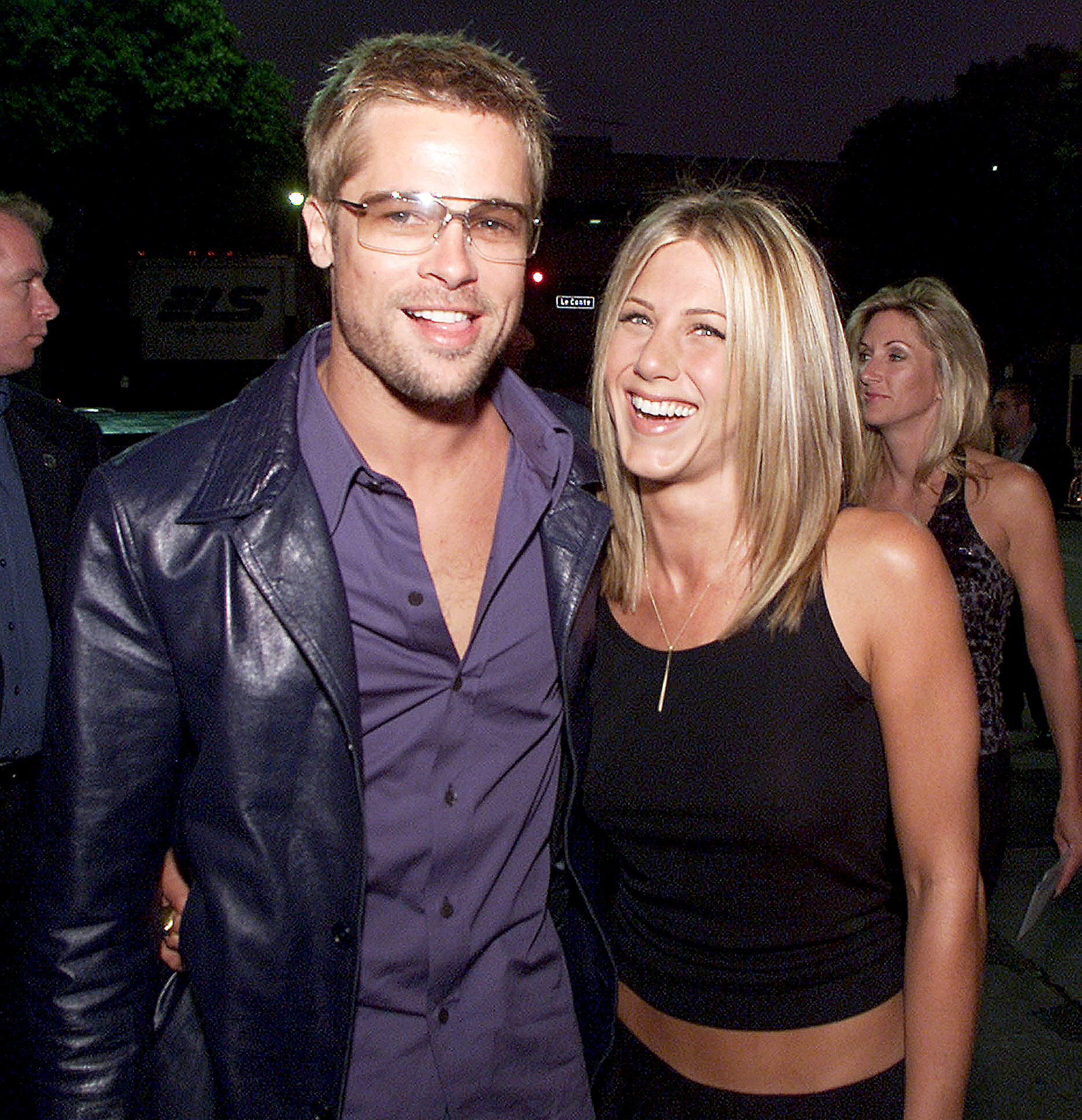 Brad-Pitt-Jennifer-Aniston-back-together-2