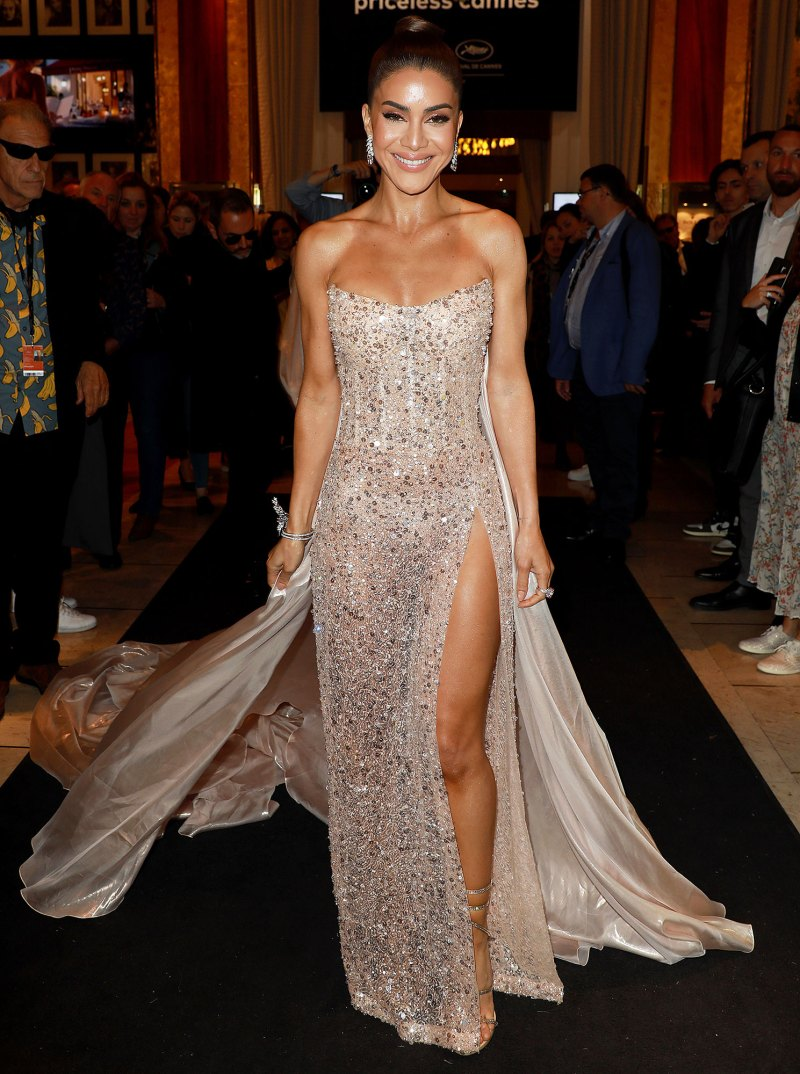 Ally Walker Hot celebs boldest nearly naked red carpet looks of all time