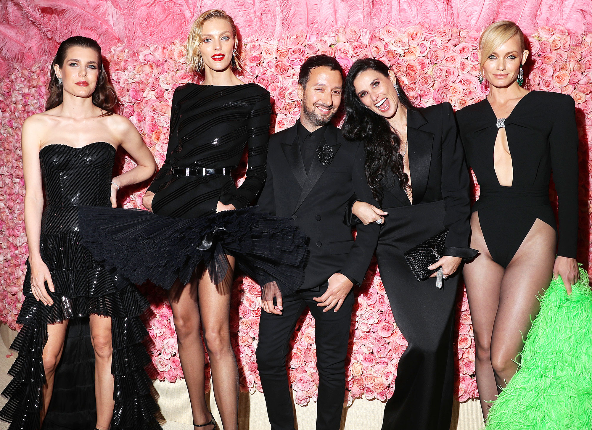 Met Gala 2019 What You Didnt See Charlotte Casiraghi Anja Rubik Anthony Vaccarello Demi Moore Amber Valletta - Charlotte Casiraghi, Anja Rubik, Demi Moore and Amber Valletta posed with Belgian fashion designer Anthony Vaccarello.