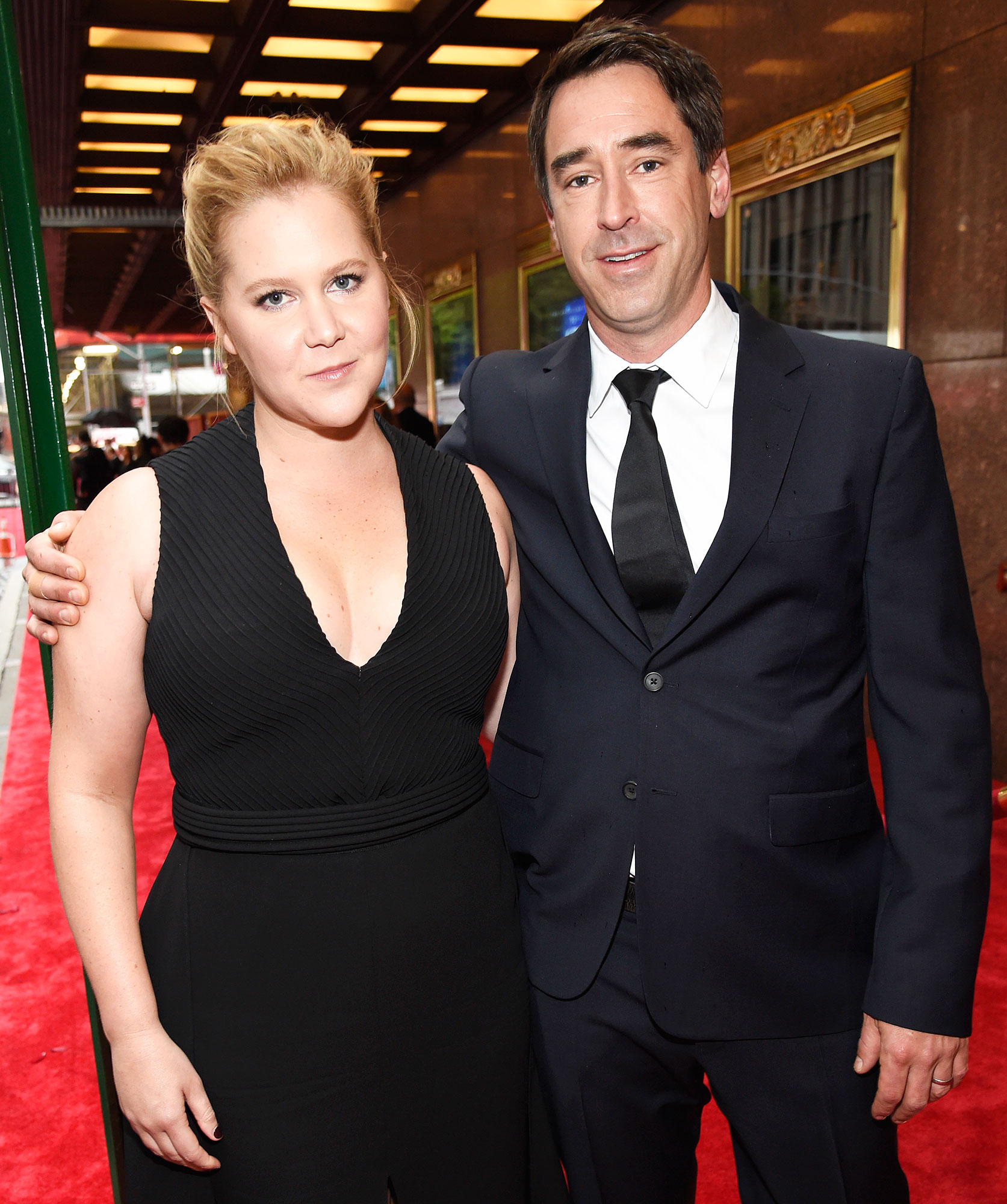 Chris Fischer Amy Schumer Returns Comedy After Giving Birth