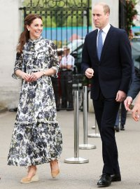 Duchess Kate 15500 Dollar Outfit Chelsea Flower Show