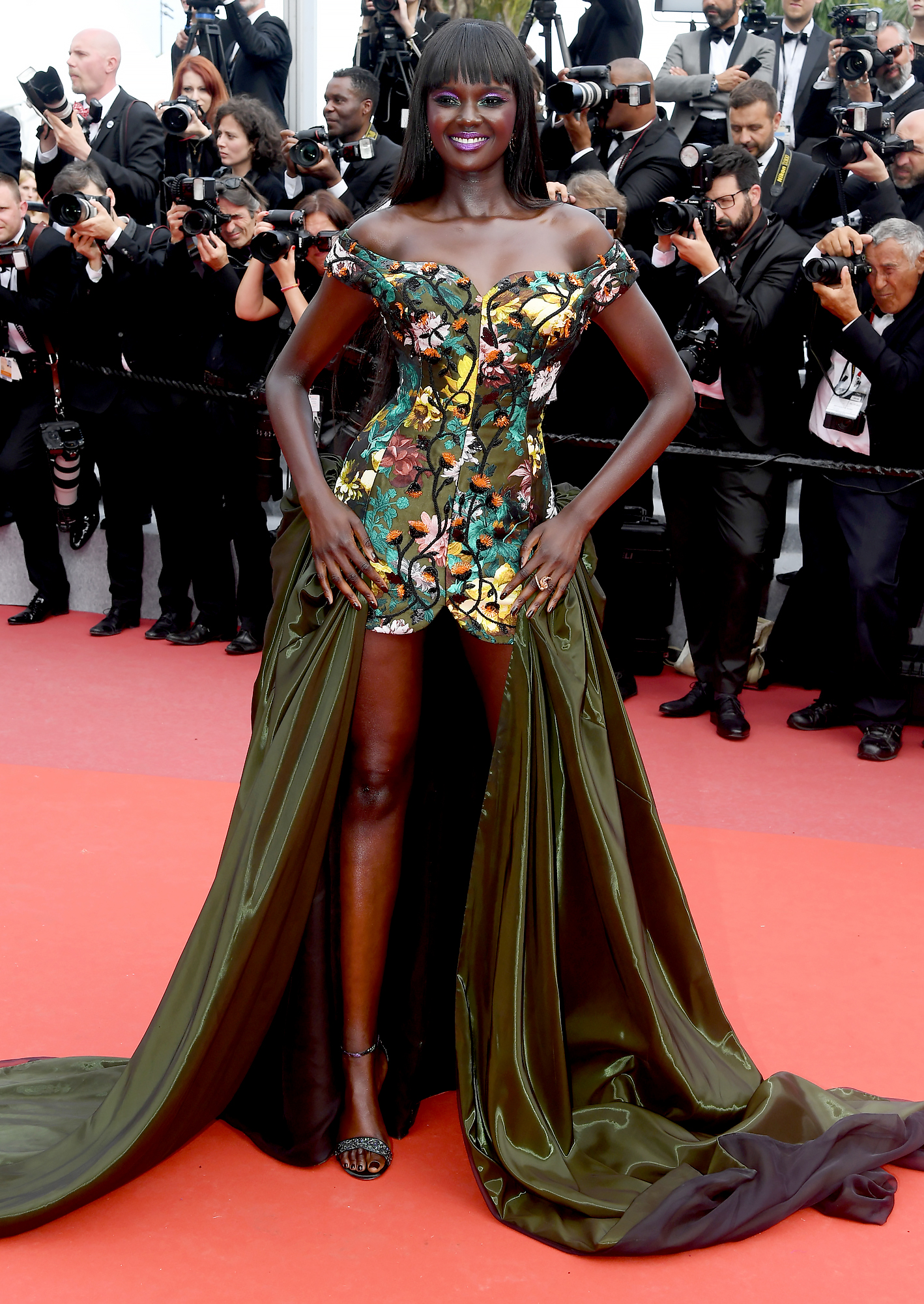 Duckie-Thot - At the Once Upon a Time in Hollywood screening on Tuesday, May 21, the model flashed her games in an embroidered Vivienne Westwood minidress with a dramatic train.