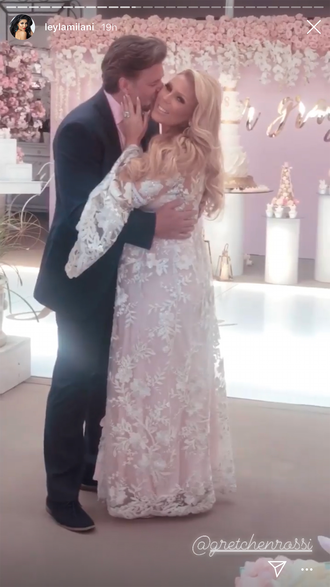 Gretchen Rossi Celebrates Baby Shower - Smiley and his fiancée shared a sweet PDA moment.